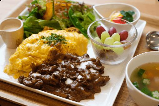 オムハヤシ・カボチャサラダ・パプリカのマリネ